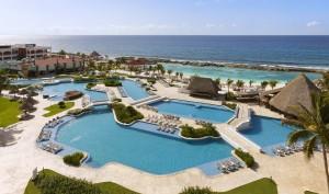 aerial-of-hacienda-pool