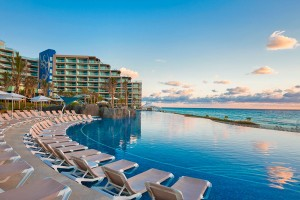 hard-rock-hotel-cancun-pool-dush